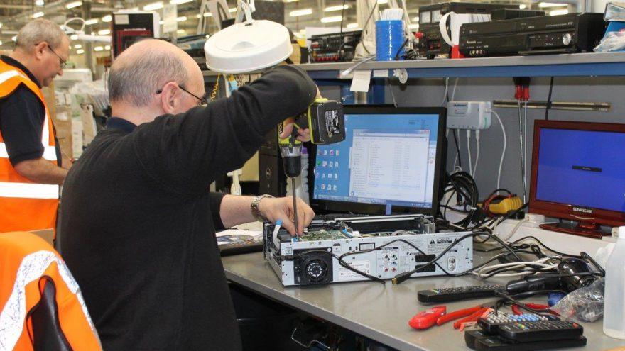Electronics Repair Specialist